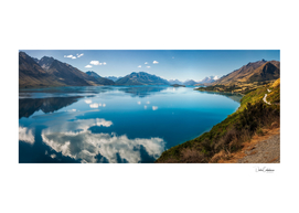 The blue waters of Lake Wakatipu in New Zealand