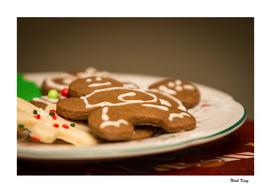 Gingerbread Men on Plate