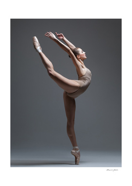 Ballerina on pointe