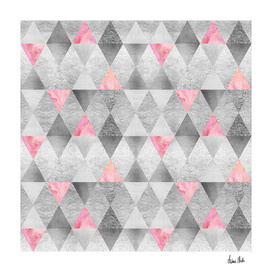 GRAPHIC PATTERN Sparkling triangles | silver & pink