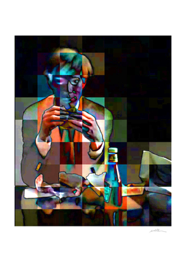 Andy_Warhol_eating_a_hamburger