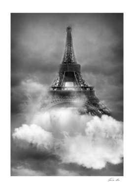 Tour Eiffel in the clouds