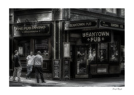 Beantown Pub B&W