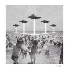 UFO'S BEACH ATTACK