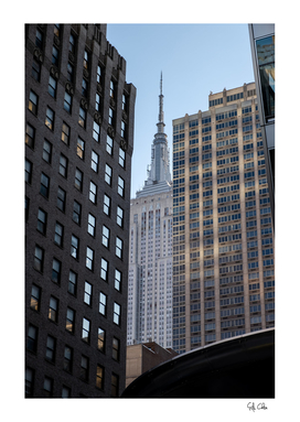 Perspective view to the  empire state building
