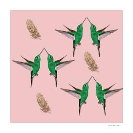 Green Hummingbirds golden Fetahres