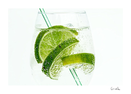 lime club soda drink cocktail