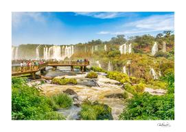 Devil-throat-waterfalls-from-brazilian-border