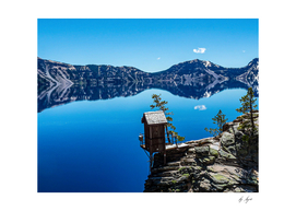 Crater Lake Blue Water and Mountain Reflection