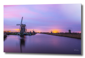 Sunset in Kinderdijk. (Holland Windmills).