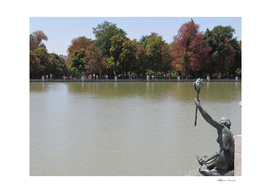 The statue in the lake in Madrid - Spain