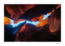 Looking up at Antelope Canyon