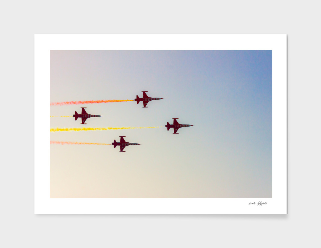 Turkish acrobatic aviation squadron is in the sky