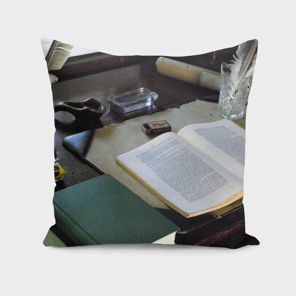 080922E Leacock's upstairs desk