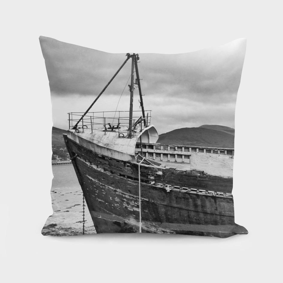 Highland Shipwreck - B/W