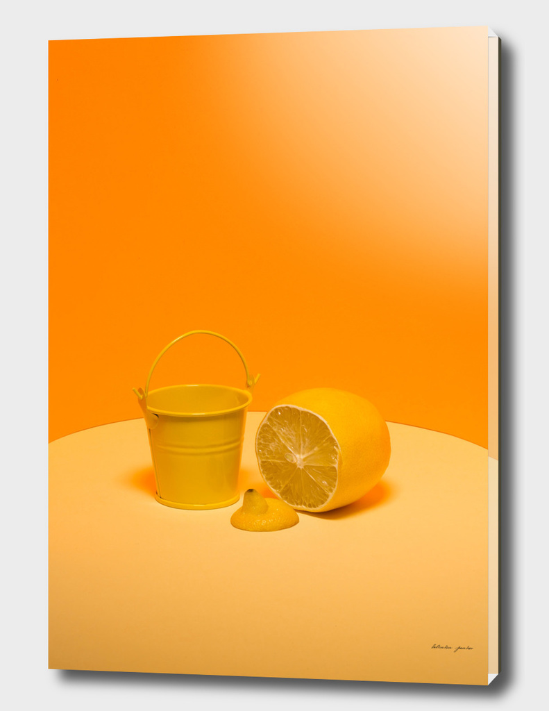 Bucket with lemon
