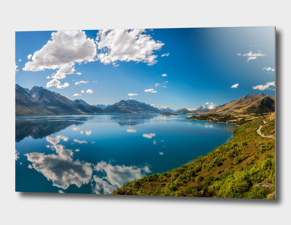 Breathtaking View from a famous Lookout at Lake Wakatipu
