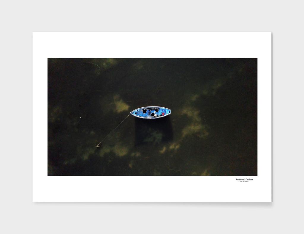 Elévation sur une barque de pêcheur d'anguilles