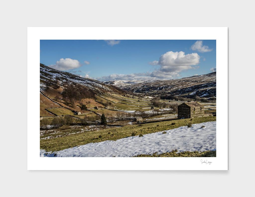 Thwaite Barn in Snow 1