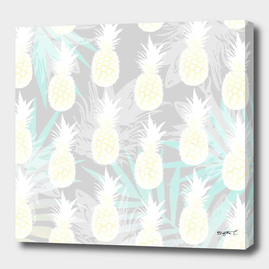 Elegant Pineapple Tropical Beach Pattern