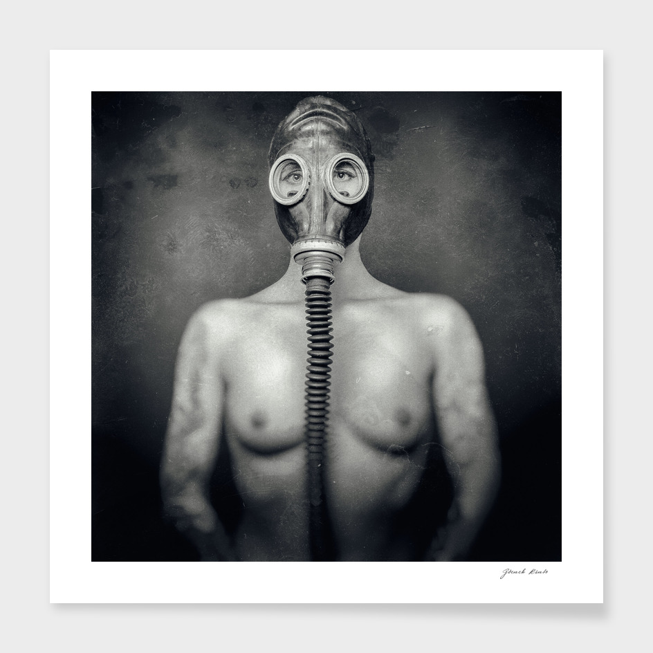Fetish Girl in Gas Mask