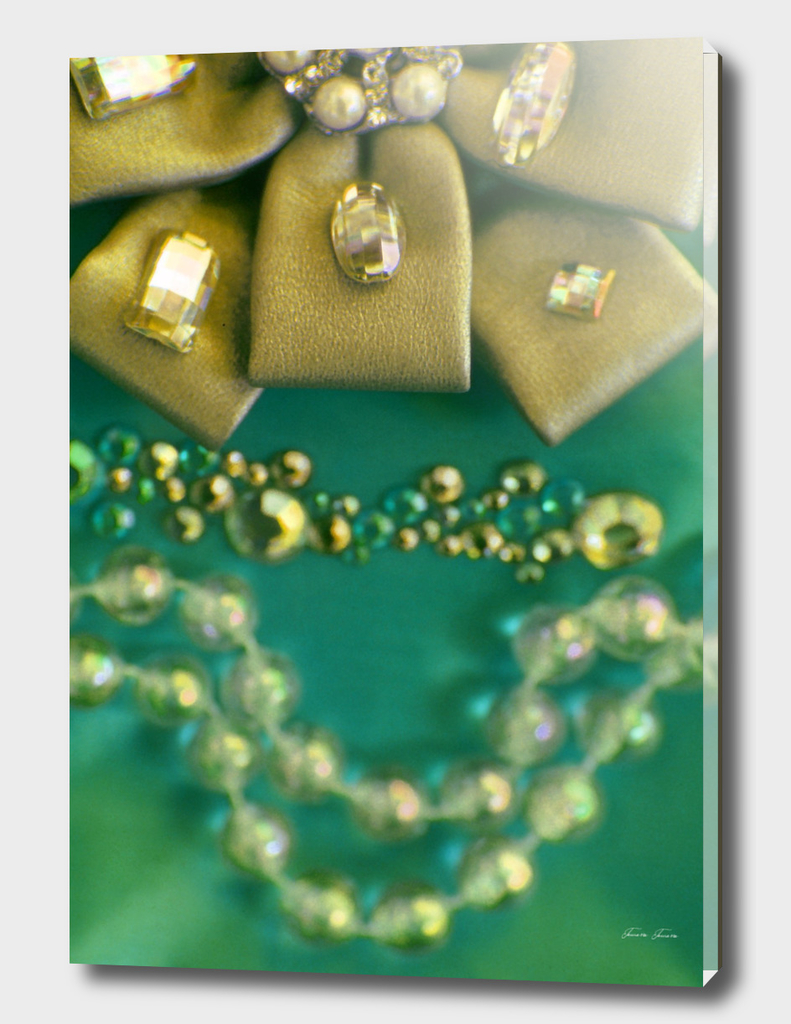 BOW & DIAMONDS