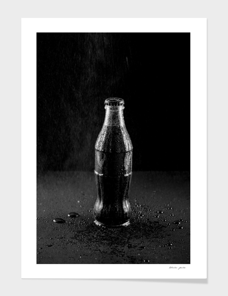 Glass bottle with carbonated drink