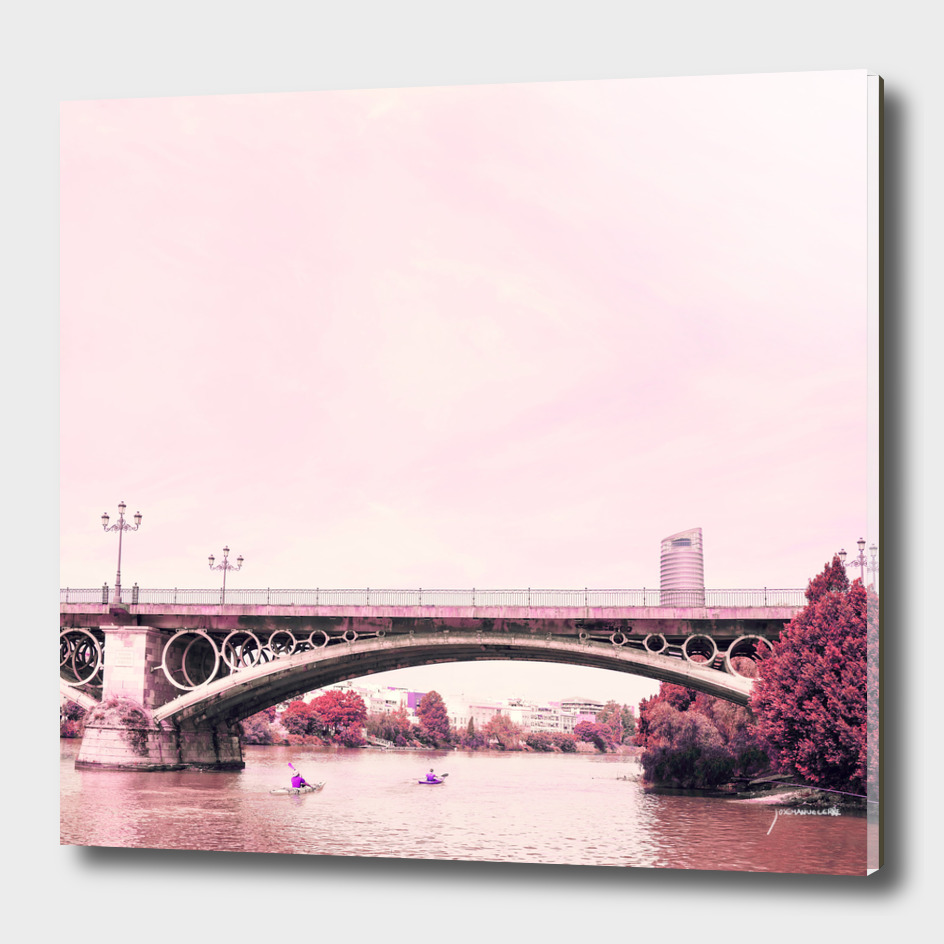 Pink mood at Triana Bridge