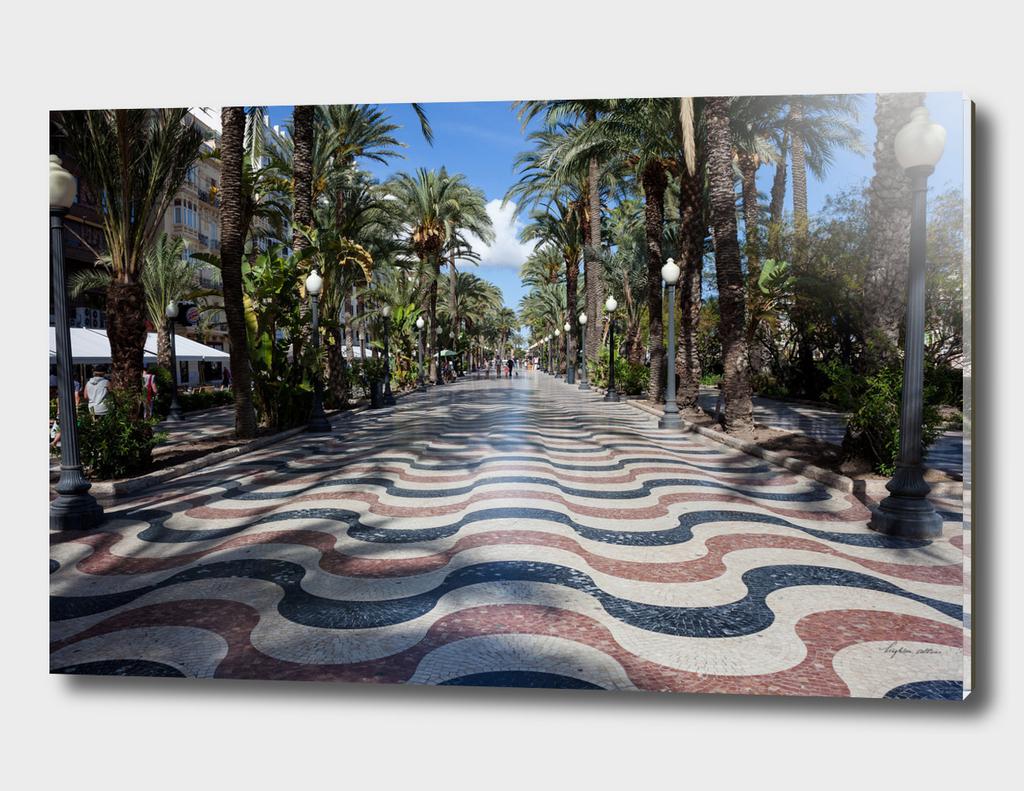 Alicante wavy pavement