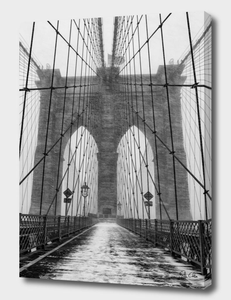 Brooklyn Bridge in blizzard