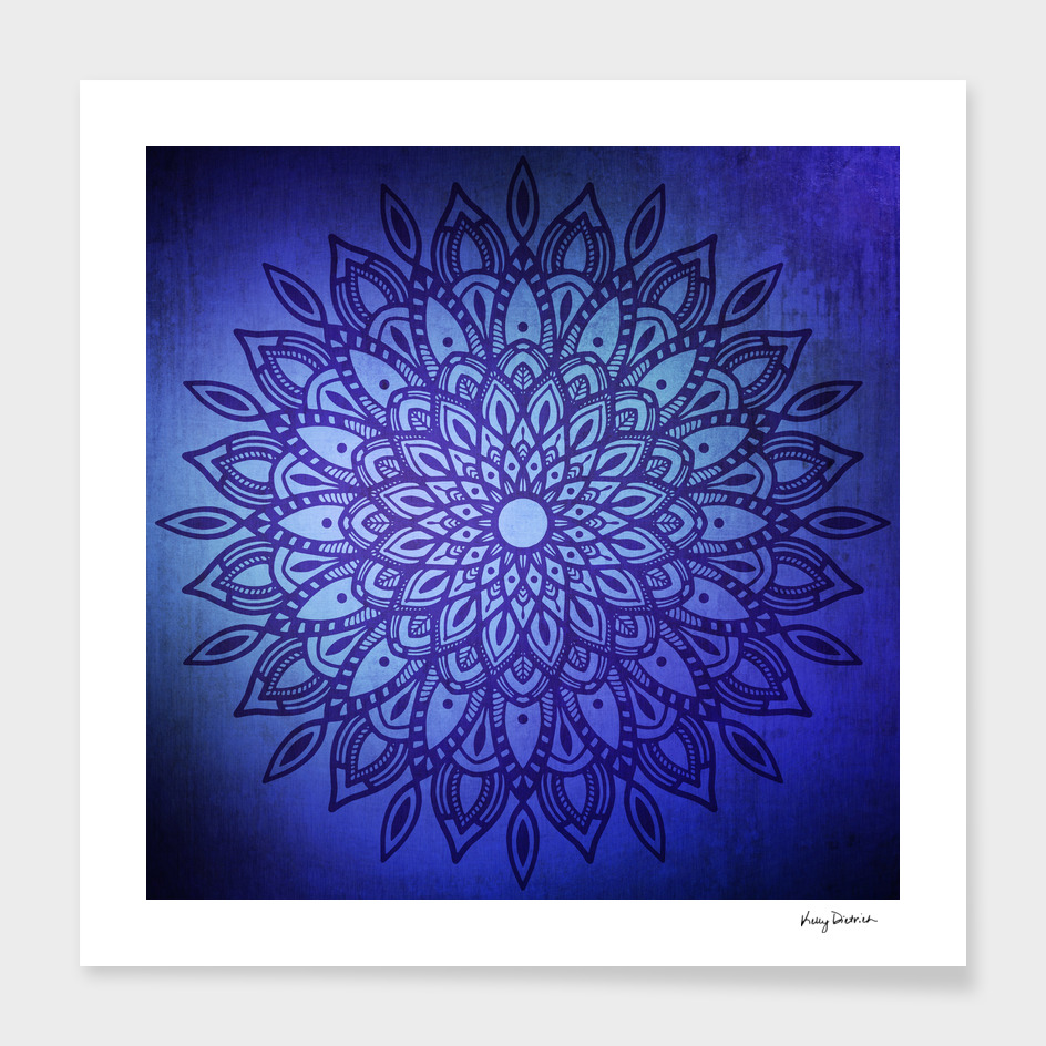 Dark Mandala in Blue