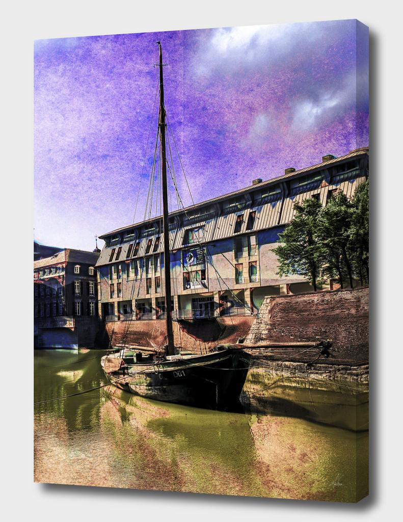 Holland_Boat