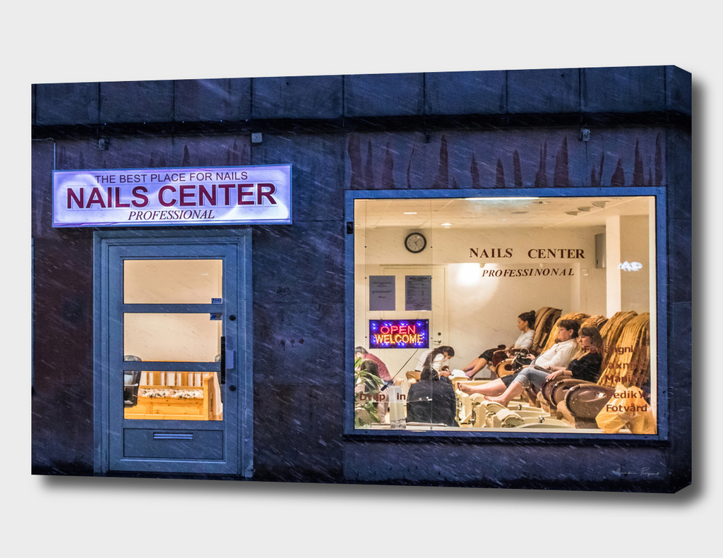 The Nails Center