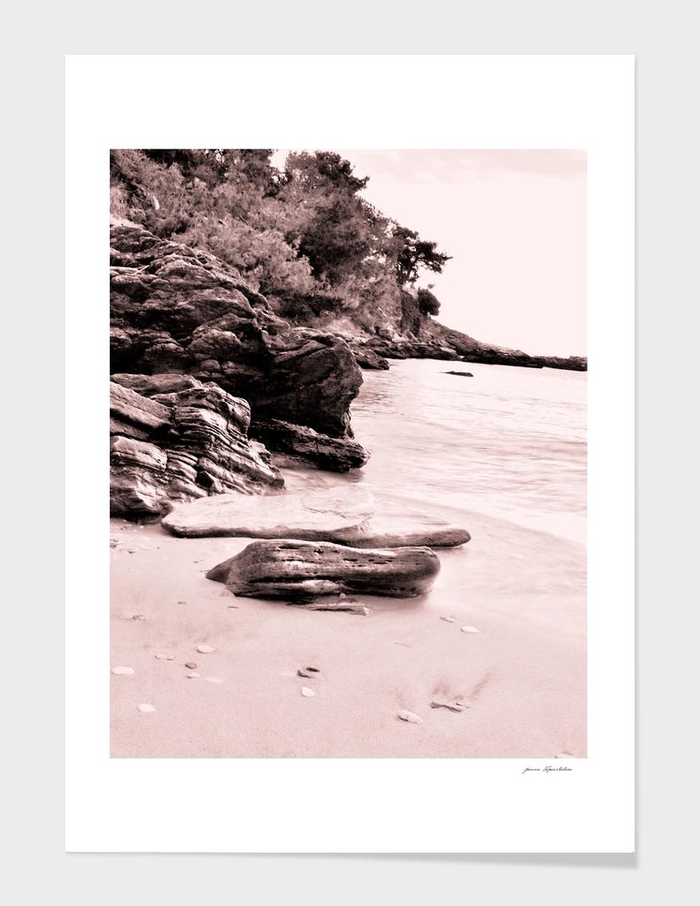 Beach days monochrome Rocky shore