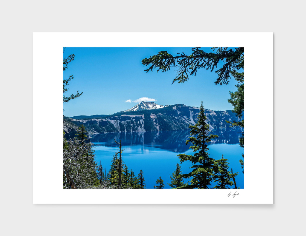 Crater Lake National Park Clear Deep Blue Waters