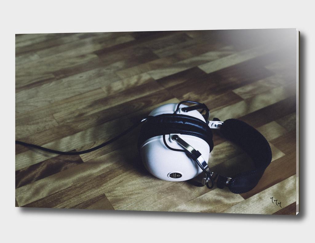 vintage headphone