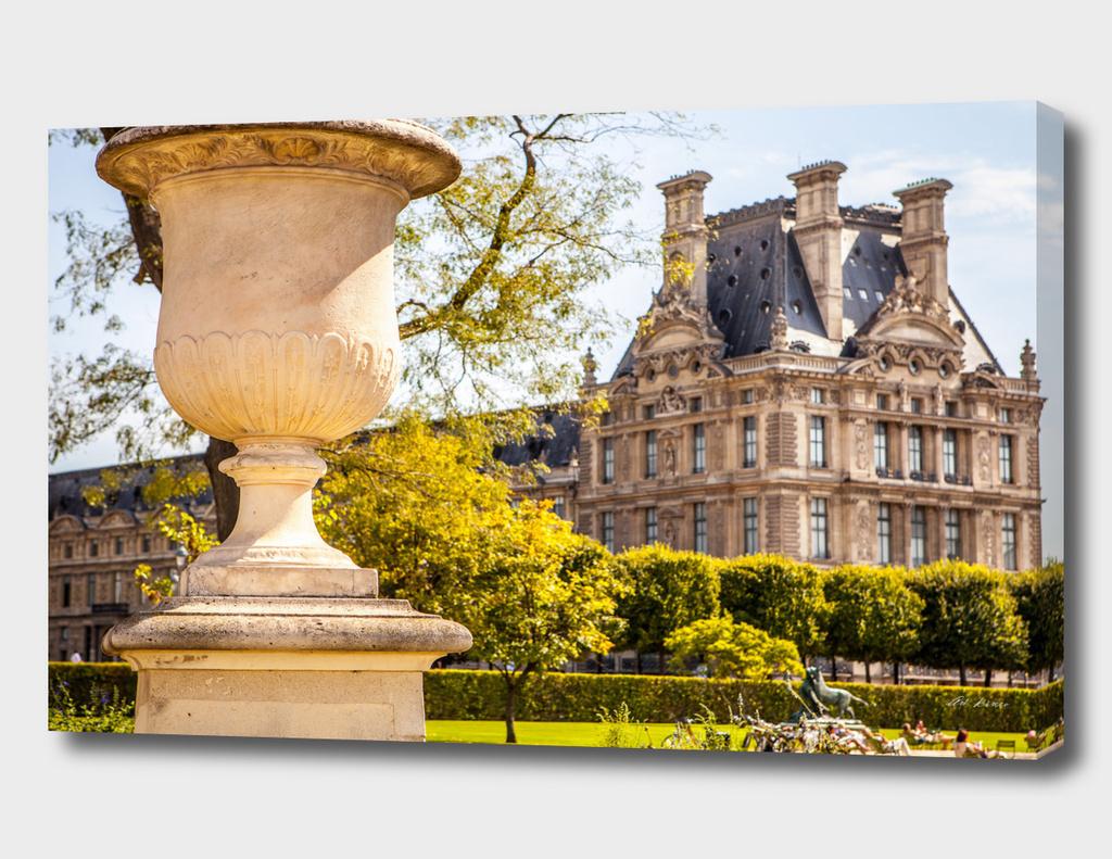 Tuileries garden (Louvre).