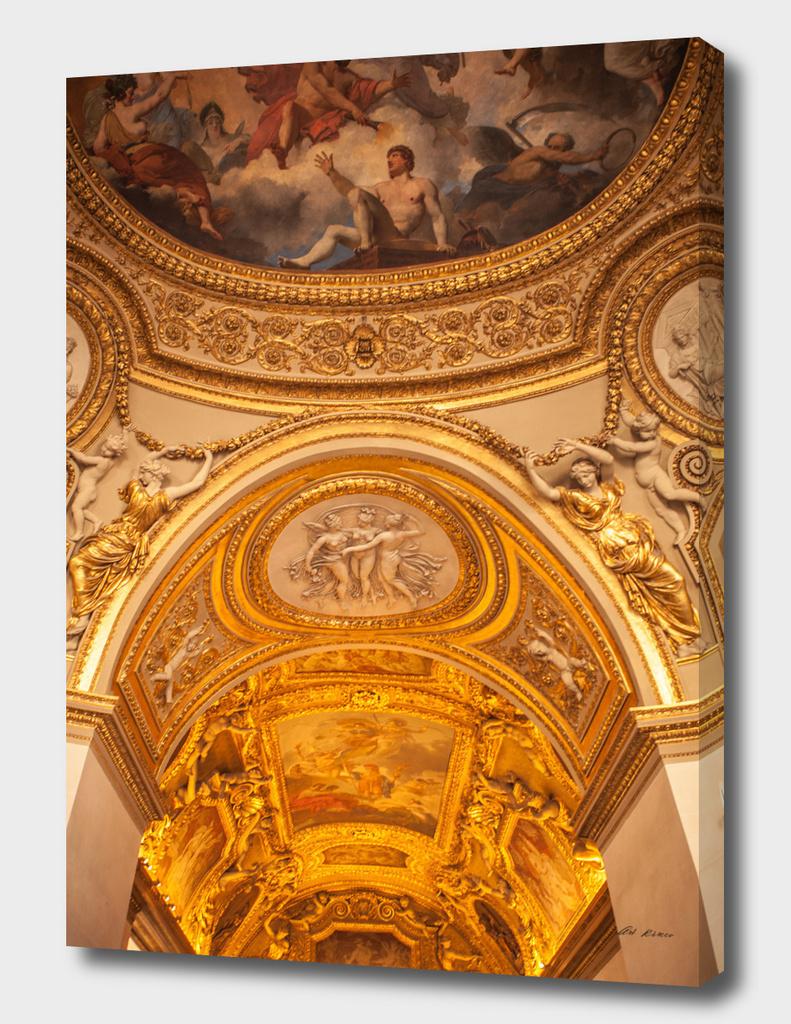 Louvre indoor.