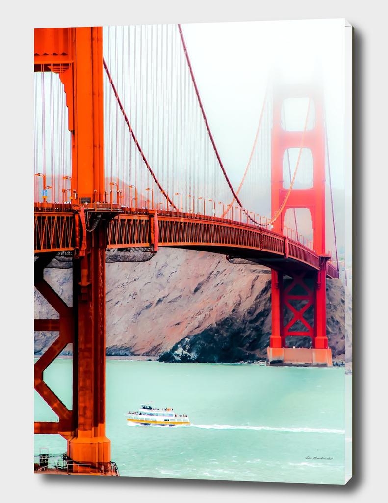 Boat and bridge view at Golden Gate Bridge, San Francisco