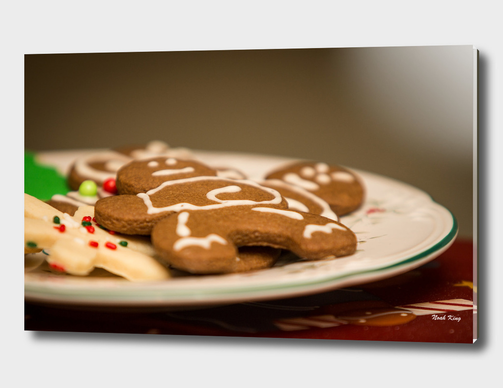 Gingerbread Men on Plate