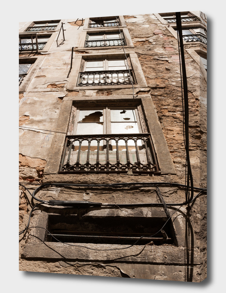 Broken window Lisbon