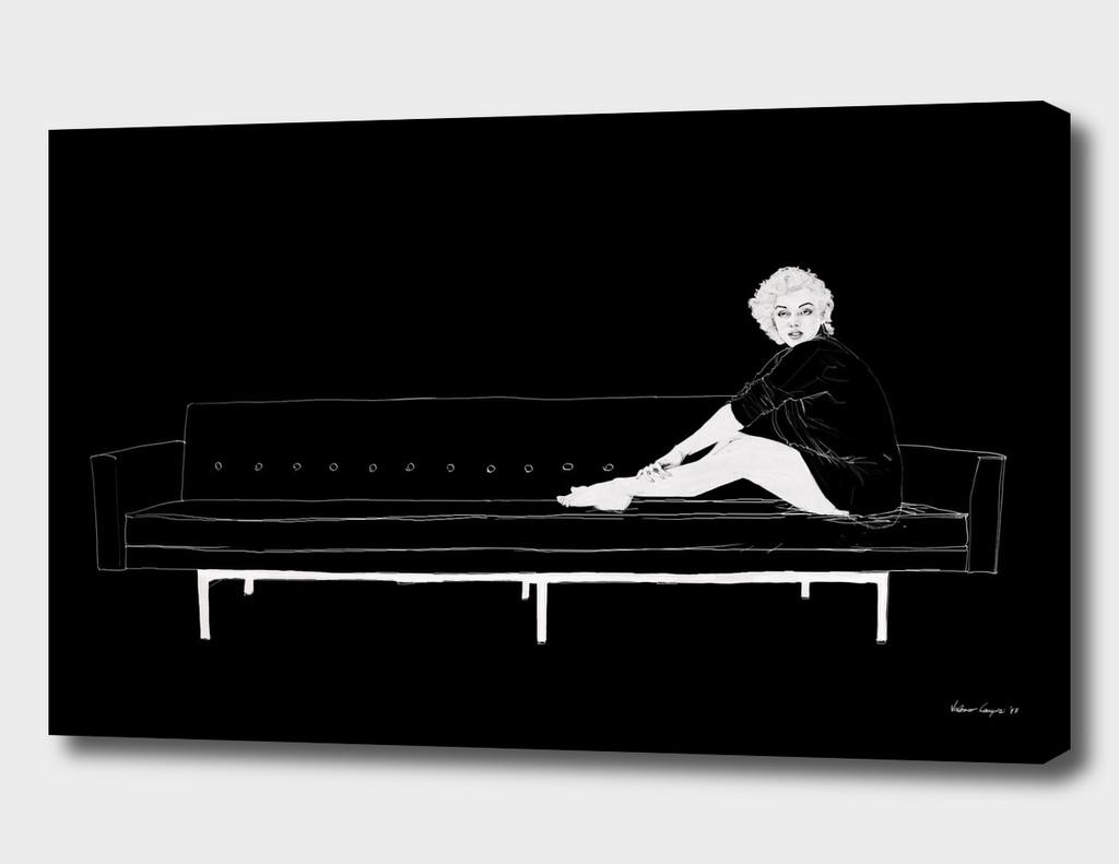 Marilyn on the sofa / Black version