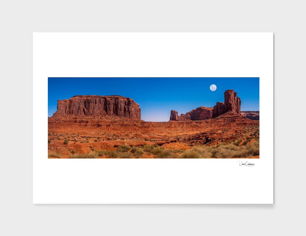 Moon rising in Monument Valley