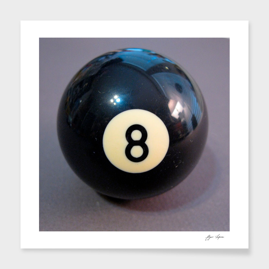 8 Ball realistic