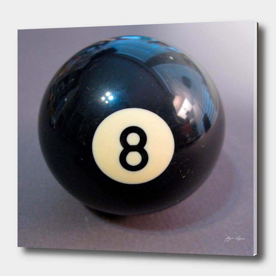 8 Ball realistic