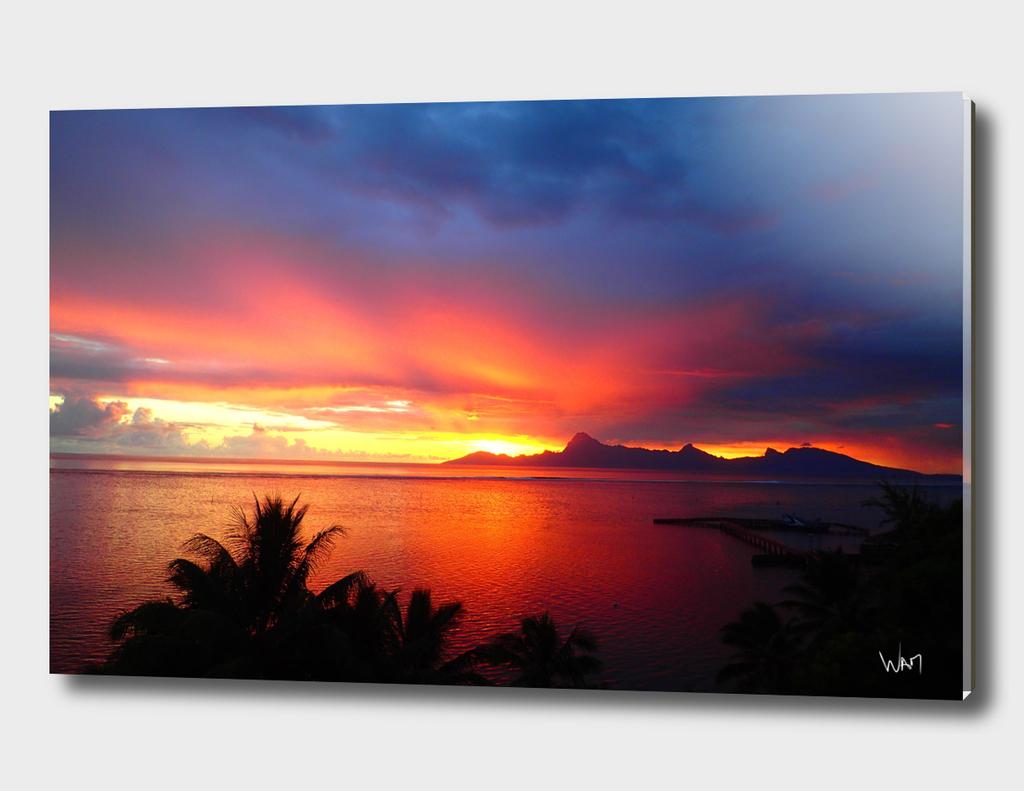 Majestic sunset on sea
