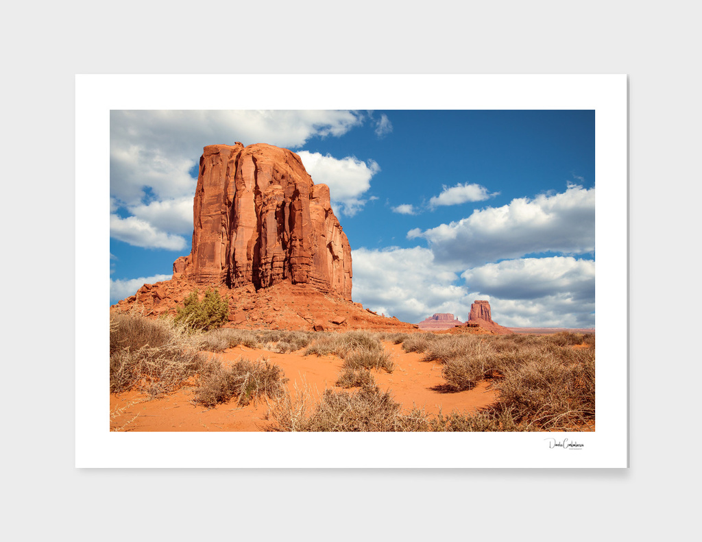Splendid view of the natural monuments in Monument Valley
