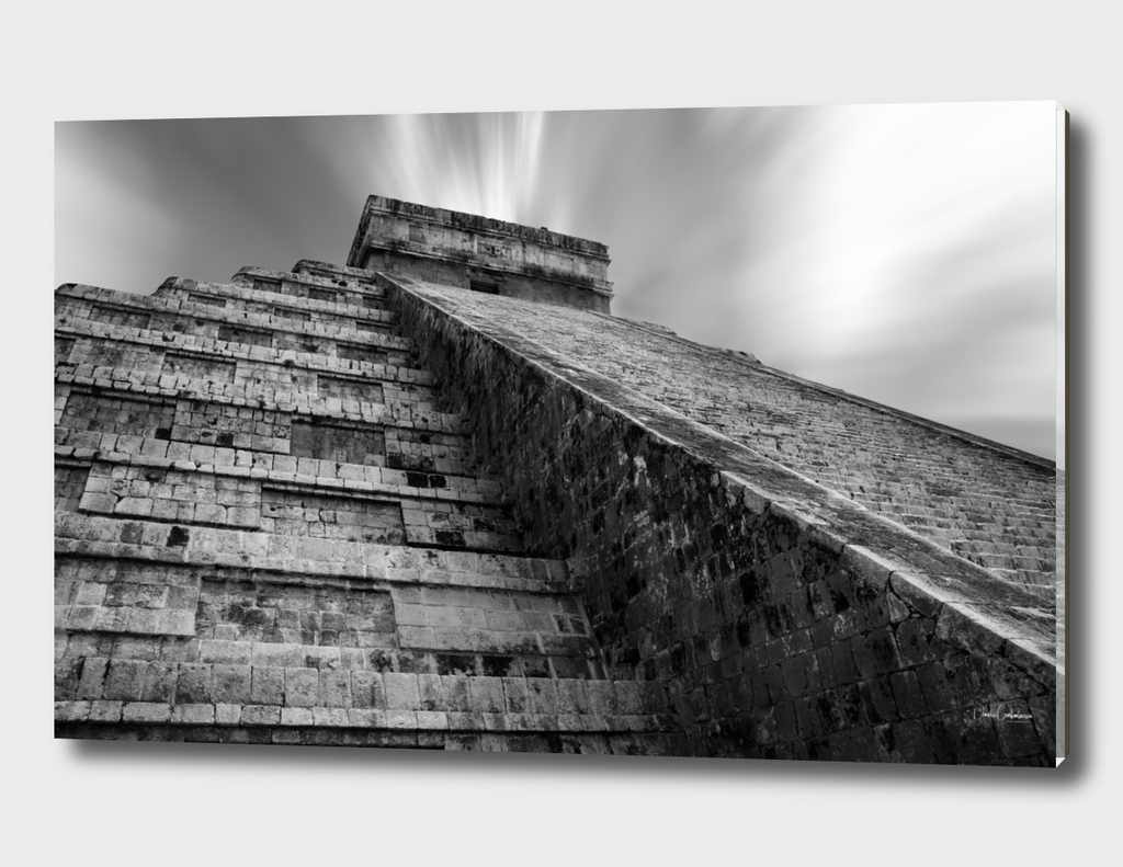 El Castillo in black and white