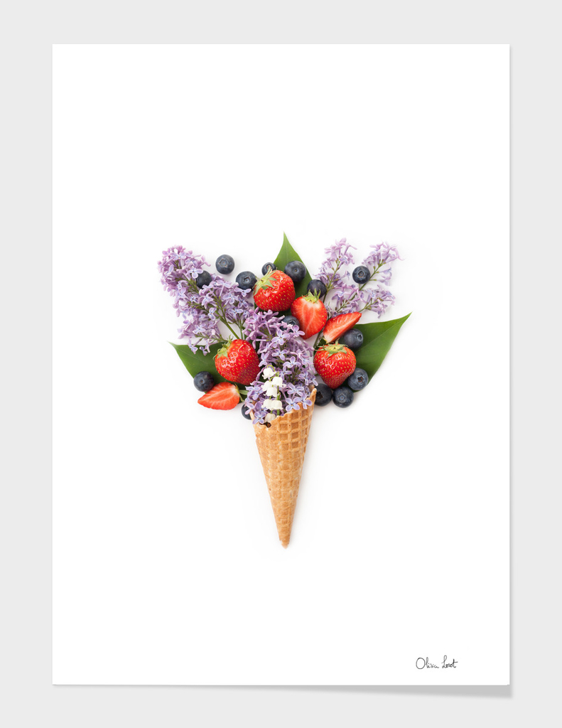 Lilac and berries ice cream