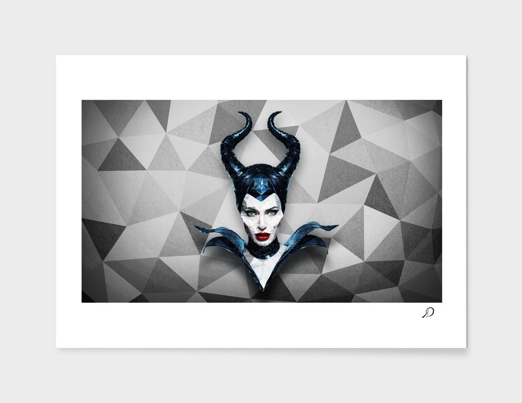 LowPoly_Triangle_Maleficent_Angelina_Portrait_4K